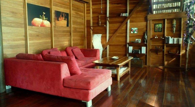 The Ultimate Beach House (Casa Sol Y La Luna), Ferienwohnung in Isla Bastimentos