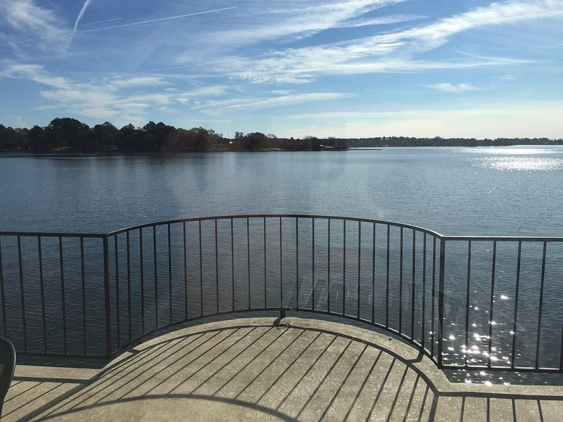 Beautiful Lake Views Two Bedroom #241, vacation rental in Willis