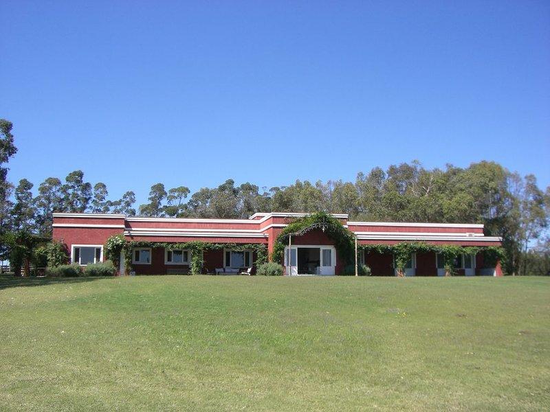 Full Sevice Beautiful 100 Acre Estate in Jose Ignacio Near Ocean Beaches, alquiler vacacional en Jose Ignacio
