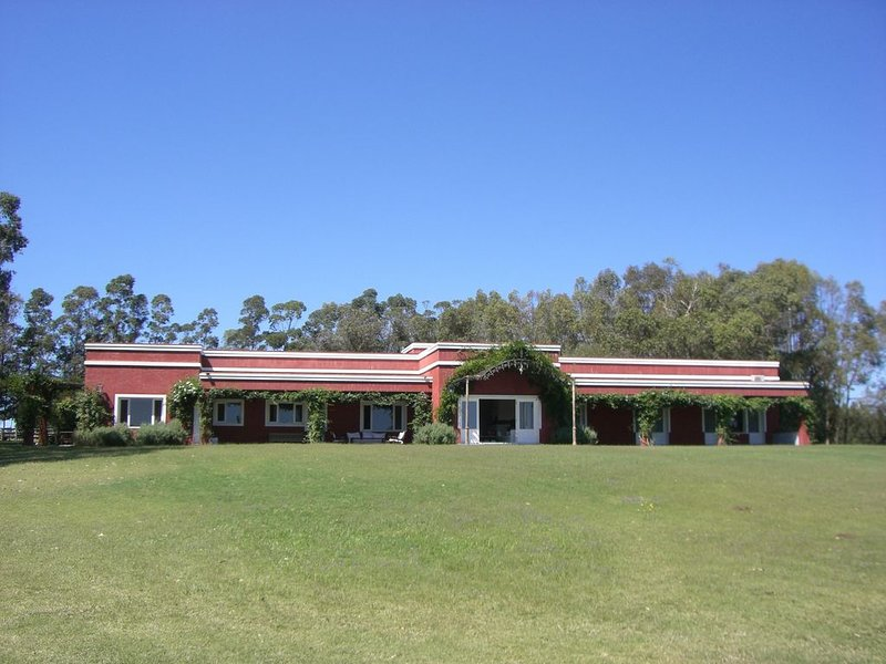 Full Sevice Beautiful 100 Acre Estate in Jose Ignacio Near Ocean Beaches, vacation rental in Jose Ignacio