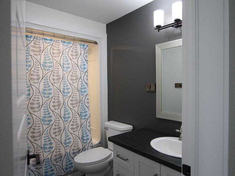 Main Bath adjacent to Bed #2