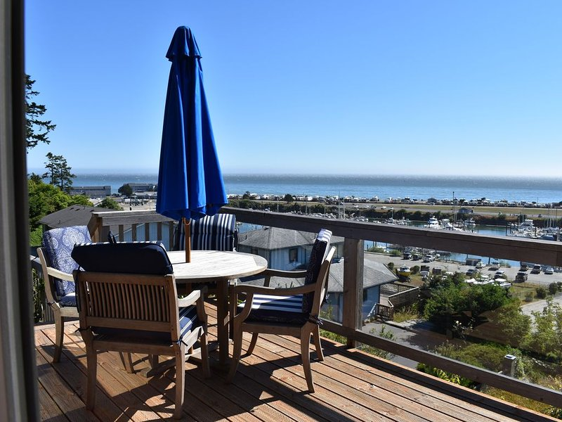 Beautiful Ocean View Home on the Majestic Coast of Oregon, holiday rental in Harbor