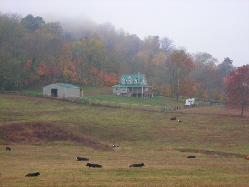 Rockin Double B Mini Farm Apt, Enjoy your private country side w/ amazing views, vacation rental in Spring Hill