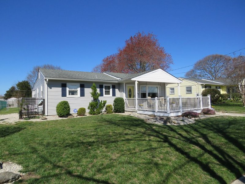 Beauty at the Bay Enjoy Family Friendly Comfort., holiday rental in Lower Township