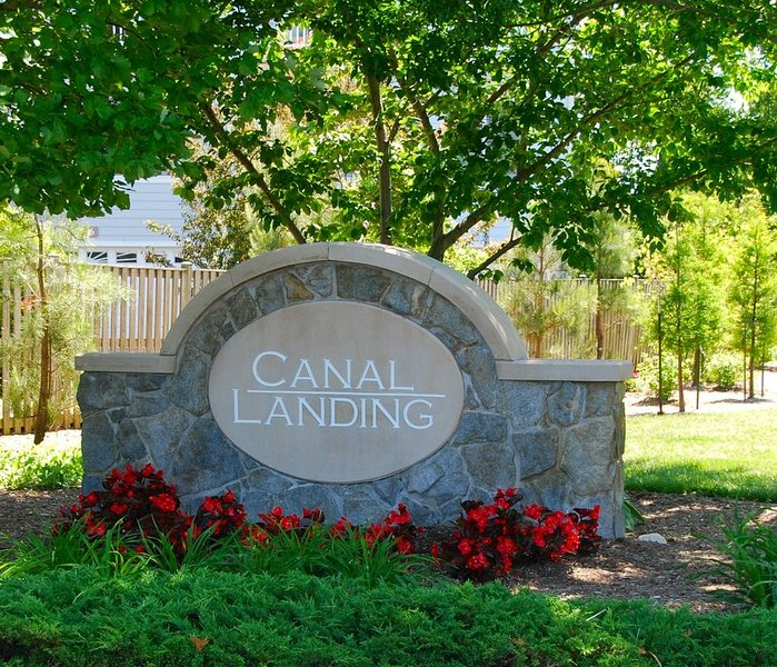 Terrific Townhouse Backing on the Canal, alquiler de vacaciones en Rehoboth Beach