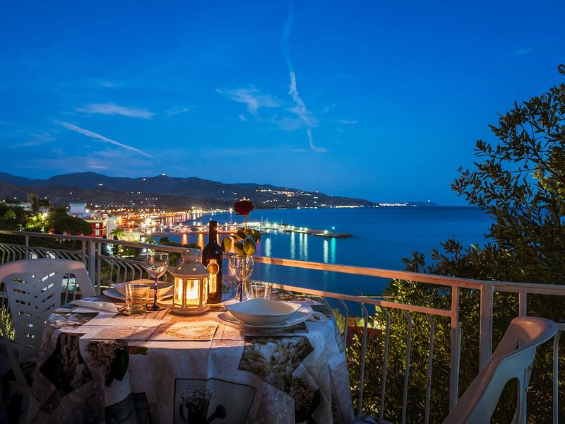 Casa vacanze vista mare nel Cilento  summer holidays by the sea in cilento italy, alquiler de vacaciones en Pioppi