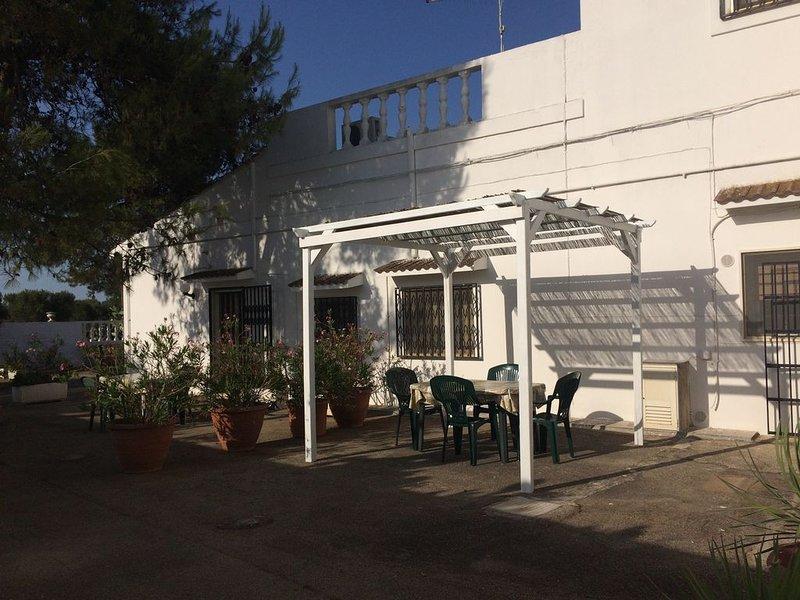 Appartamento l'oleandro,  8 km dal mare e  15 km da Ostuni, holiday rental in San Vito dei Normanni