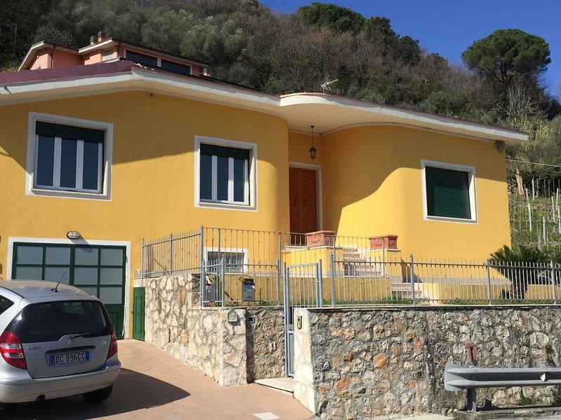 Casa Giusi-Ameglia-a 5 minuti dal mare-tra Cinque Terre e Versilia, Ferienwohnung in Bocca di Magra