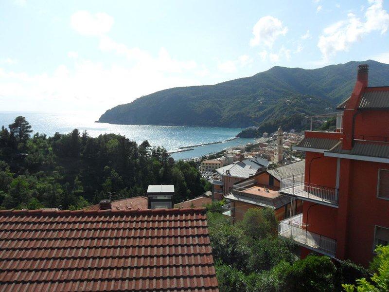 Grazioso bilocale, a meno di un chilometro dal mare, holiday rental in Deiva Marina