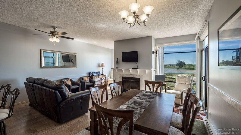 Pajaro Dunes Resort: **Newly Updated 3 Bedroom Condo!, vacation rental in Watsonville