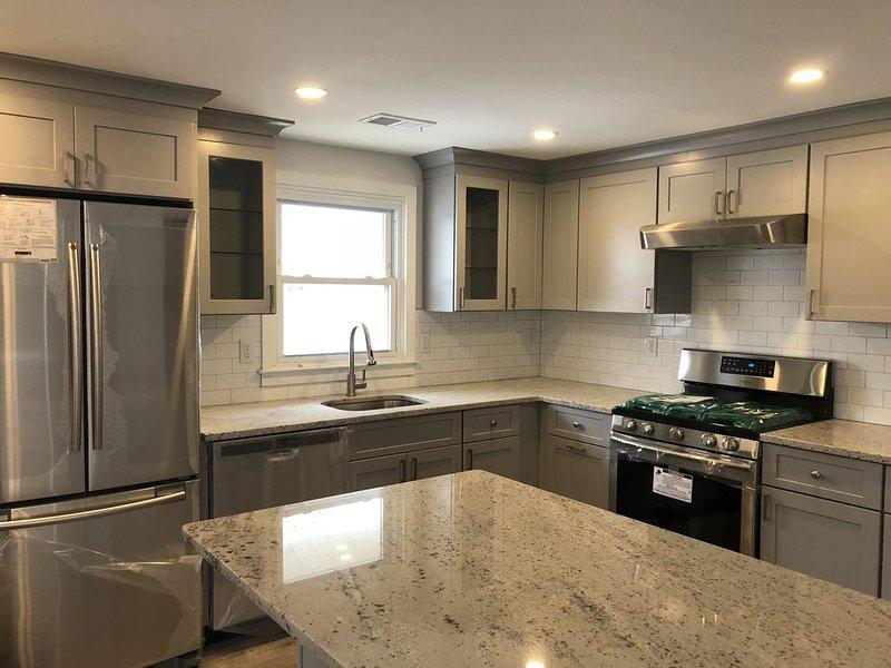 Newly renovated duplex!! Beach block, North End Surf City, upper unit, casa vacanza a Surf City
