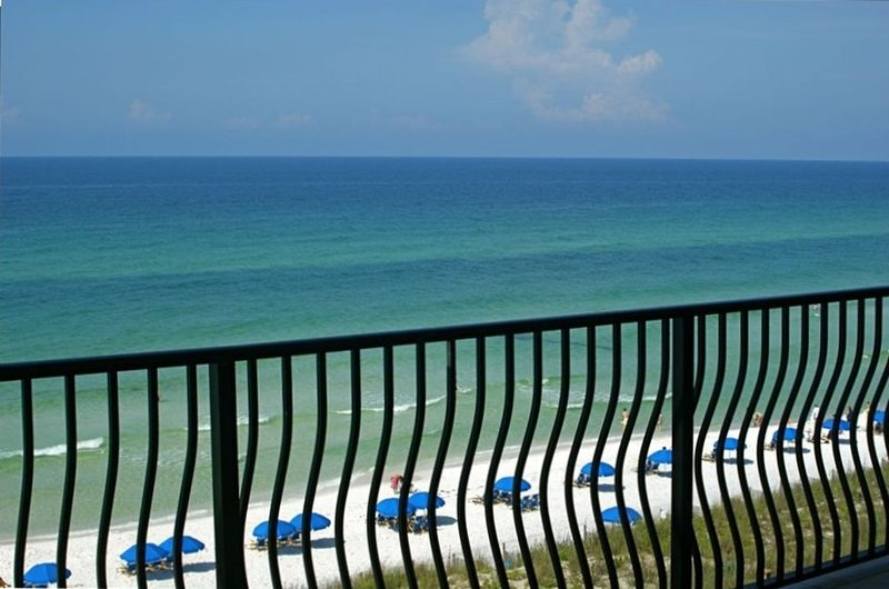 Beach front at the Adagio...4 BR + Bunk room!!!, vacation rental in Blue Mountain Beach