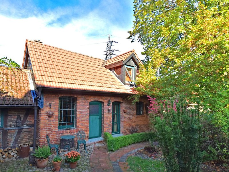 A stylish cottage which combines original features with modern comfort and tast, holiday rental in Rinteln