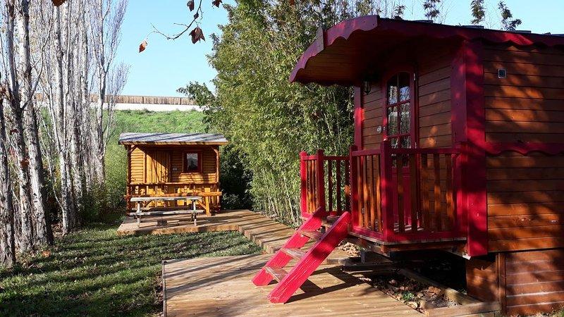 Roulotte à louer en Provence, location de vacances à Barbentane