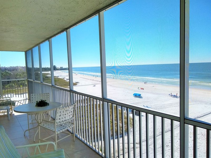 Full Gulffront Luxury Condo on Crescent Beach - Breathtaking Panoramic Views, holiday rental in Sarasota