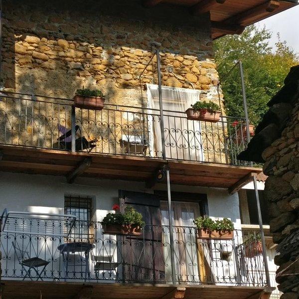 Casa immersa nel verde, vicino a Torino, per ritrovare il contatto con la natura, alquiler de vacaciones en Ala di Stura