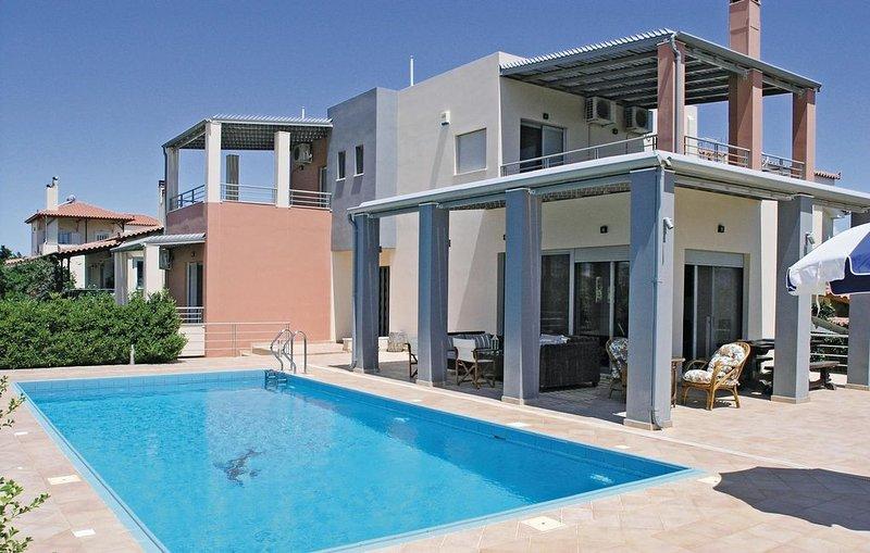 Lichtdurchflutetes Haus mit herrlichem Ausblick, casa vacanza a Galatas