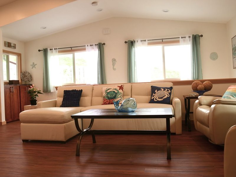 This relaxing space makes it easy for you to relax & enjoy the spirit of Aloha.