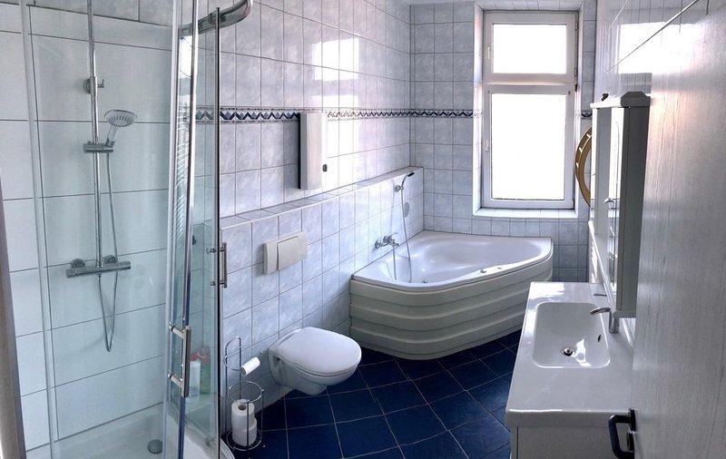Ferienwohnung/App. für 8 Gäste mit 150m² in Essen (93697), vacation rental in Castrop-Rauxel