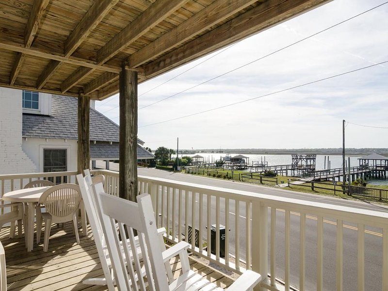 Charming soundfront duplex lower unit has incredible sound views, holiday rental in Wrightsville Beach