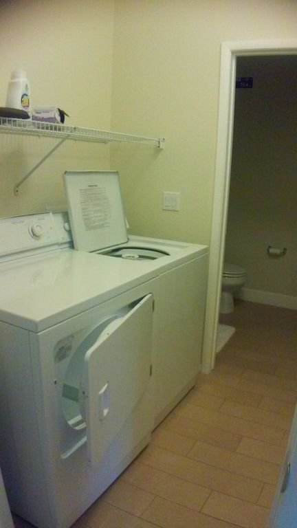 full size laundry facilities downstairs