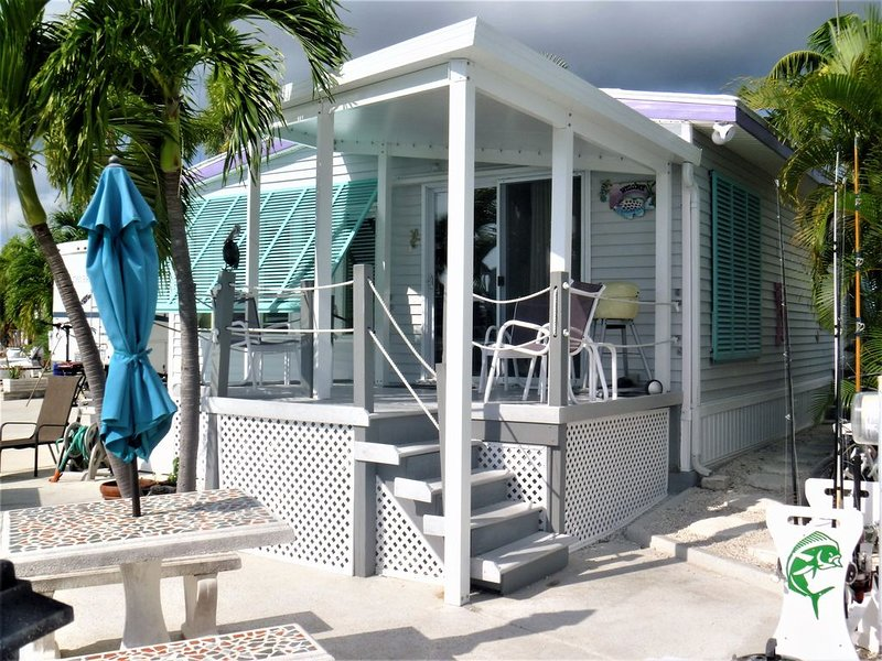 Venture Out #465 2/2 Tropical Getaway on Canal with Open Water View, holiday rental in Cudjoe Key