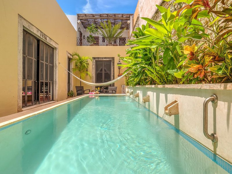 Luxury Historic Home with Pool in Colonia Santiago - Centro, vacation rental in Merida