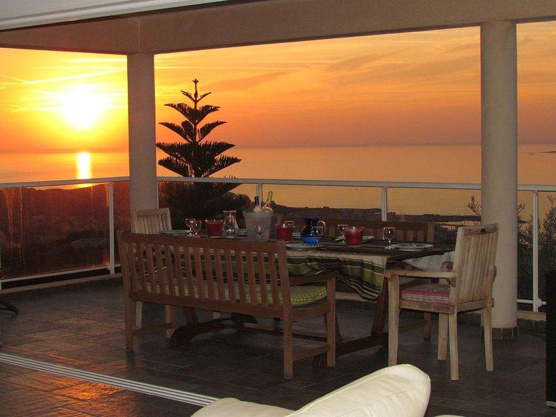 Villa 5 étoiles piscine vue féerique mer, vacation rental in Propriano