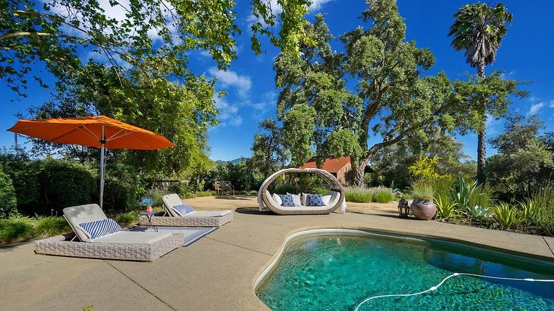 Private Wine Country Retreat-Luxury estate, pool, hot tub, 3 miles to town, vacation rental in Healdsburg