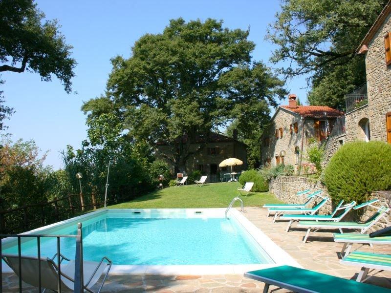 Il Ranchetto è un casolare con piscina privata in posizione appartata nei boschi, aluguéis de temporada em Pieve di Chio