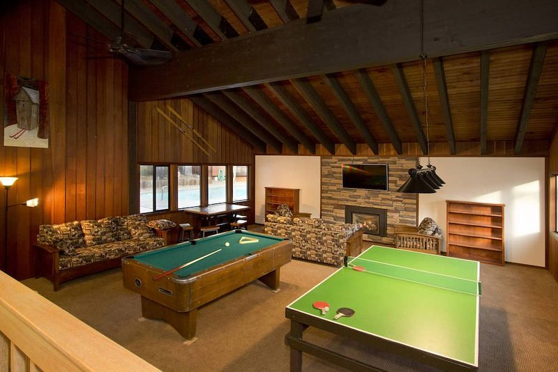 Mammoth West Game Room