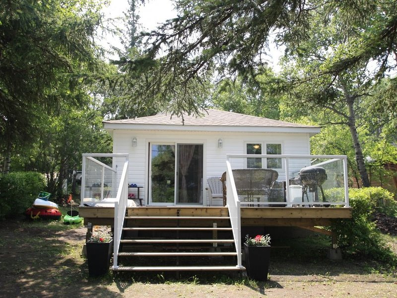 Lakefront Cottage In Manitou Beach - Saskatchewan, holiday rental in Saskatchewan