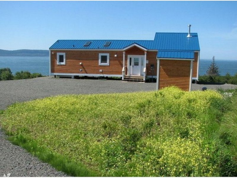 Million Dollar View Cottages, Kahuna Cottage- Parrsboro, Nova Scotia, holiday rental in Wolfville