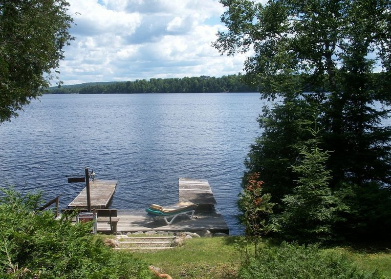 The Yardley Kash Cottage Getaway - Haliburton, alquiler de vacaciones en Highlands East