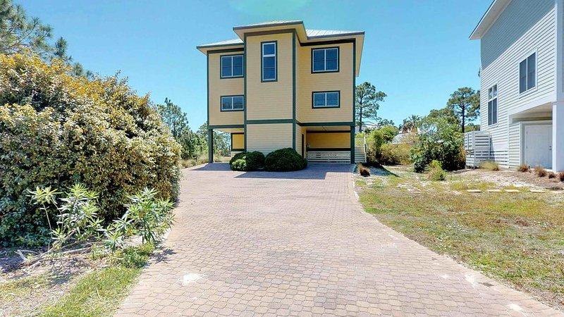FREE BEACH GEAR! Plantation, Pets OK, Screened Porch, Elevator, Wi-Fi, 4BR/4BA ', holiday rental in Apalachicola
