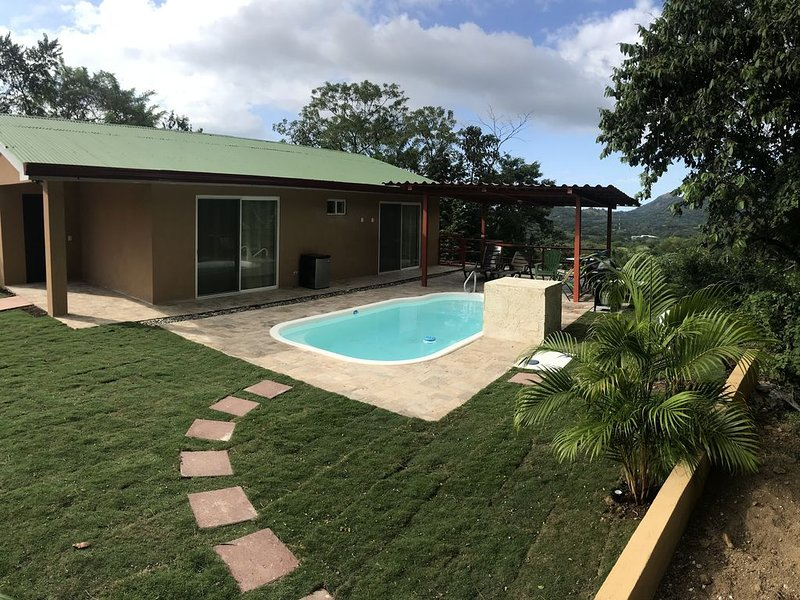 BEAUTIFUL VILLA in MAGICAL RAINFOREST SETTING!, holiday rental in Huacas