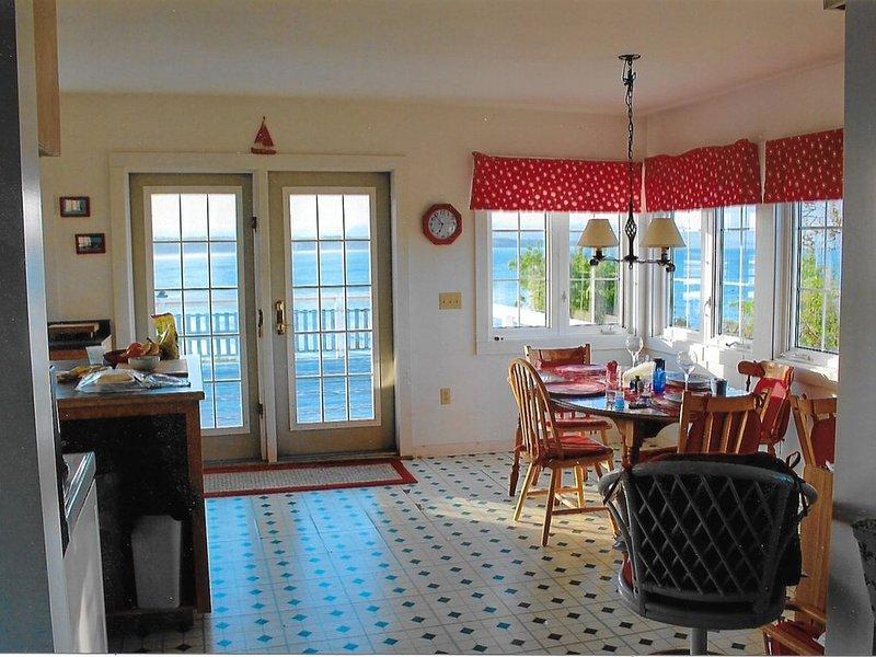 5 dormitorios con vistas a la bahía de Fundy. Playa, puerto, faro, acantilados, cubierta.