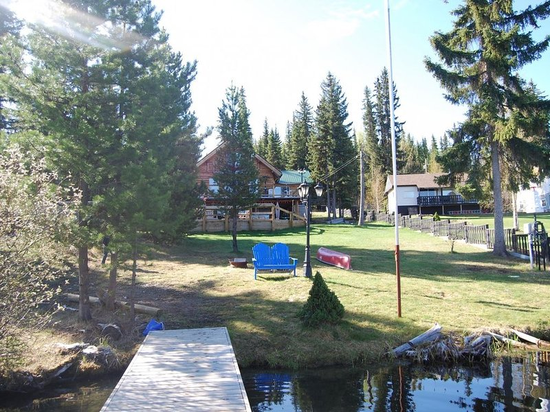 Beautiful waterfront property on Deka Lake, vacation rental in Lone Butte