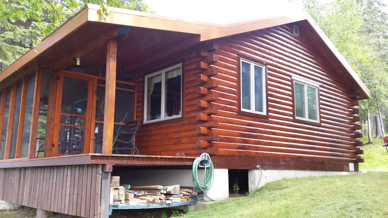Cottage On The Msw Miramichi River - Gray Rapids, vacation rental in Blackville