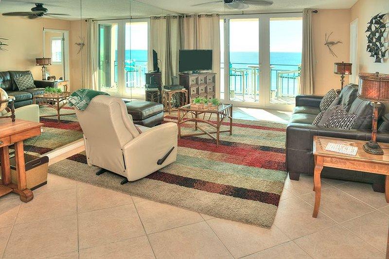 Nautilus Condo Unit 1502 - Million Dollar View!, alquiler vacacional en Fort Walton Beach