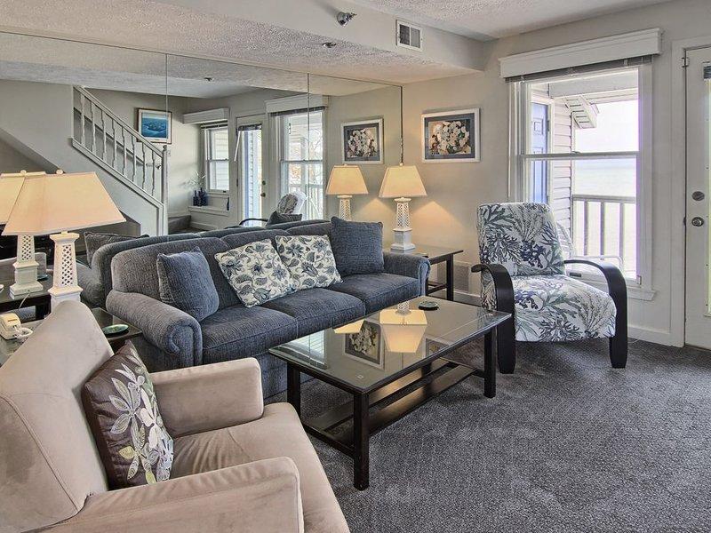 NSI309 is a charming 2BR North Shore Inn Condo on World Class Lake Michigan!, aluguéis de temporada em Acme