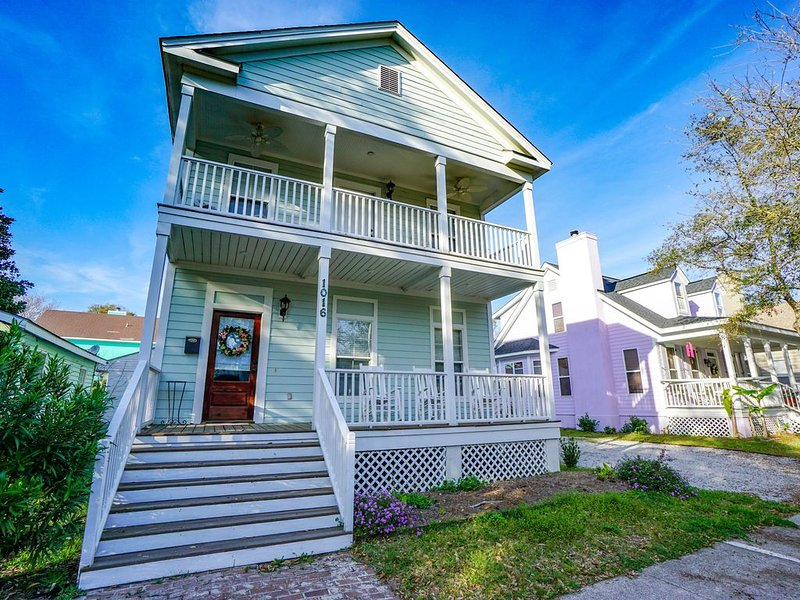Ideal Location! Perfect for Graduations and Lowcountry Getaways!, holiday rental in Port Royal