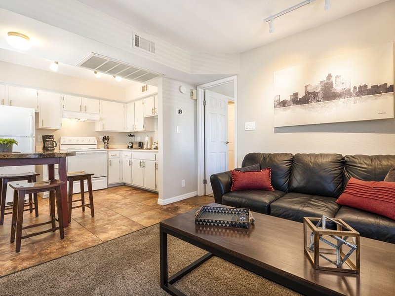 GATED community in downtown Tempe, holiday rental in Tempe