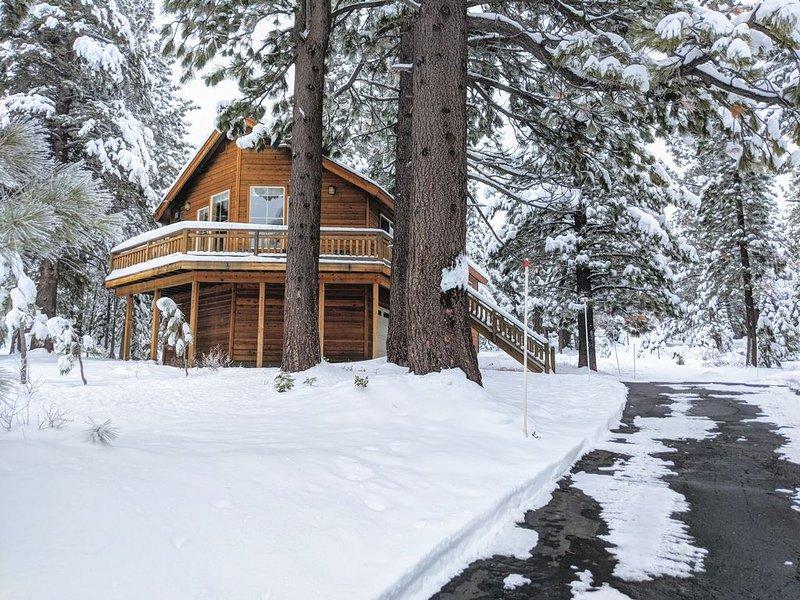 Charming Tahoe Donner Cabin – semesterbostad i Truckee