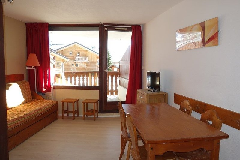 APARTMENT ALPE D'HUEZ AREA BERGERS, vacation rental in La Garde