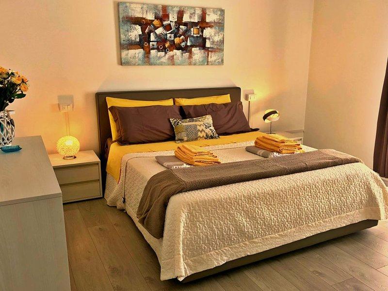 Luminoso bilocale con terrazzo privato e giardino, holiday rental in Lake Garda