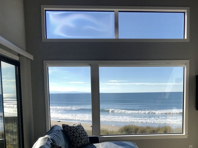 Beachfront Condo with Spectacular Views, Comfort and Fun For All, holiday rental in Pajaro Dunes