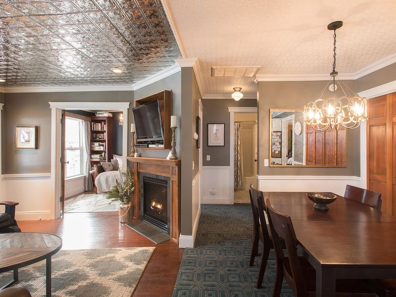 Luxury Boutique Cottage| Modern Design * Top of Main St |Spa*Attention to Detail – semesterbostad i Park City