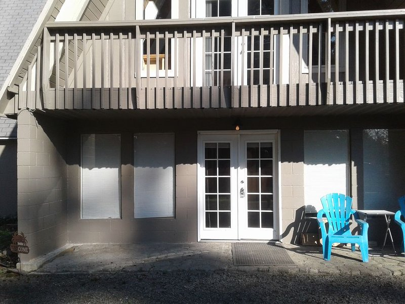 Lakeside Vacation Rental, holiday rental in North Bend