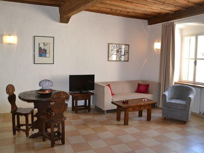 Guesthouse Bauzanum BOTTAI, esclusivo loft 40m2 in centro storico, holiday rental in Andriano